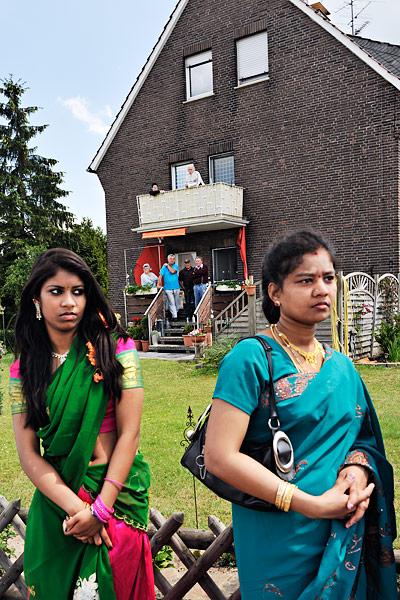 http://www.kniestphotography.net/files/gimgs/3_tamil-diaspora-c-ingo-kniest-0257.jpg