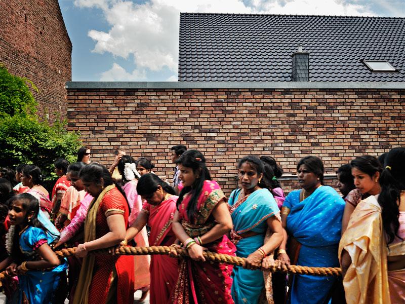 http://www.kniestphotography.net/files/gimgs/3_tamil-diaspora-c-ingo-kniest-0327.jpg