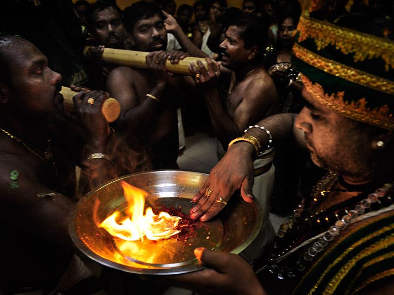 http://www.kniestphotography.net/files/gimgs/3_tamil-diaspora-c-ingo-kniest-9991.jpg